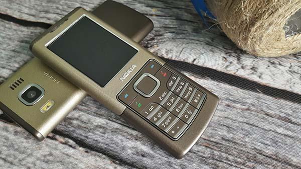 6500c này là chiếc điện thoại mỏng nhất từ trước đến nay