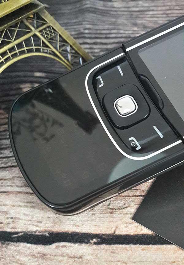 Nokia 8600 luna sở hữu cáp trượt cáp trượt cao cấp nhất các dòng điện thoại nokia