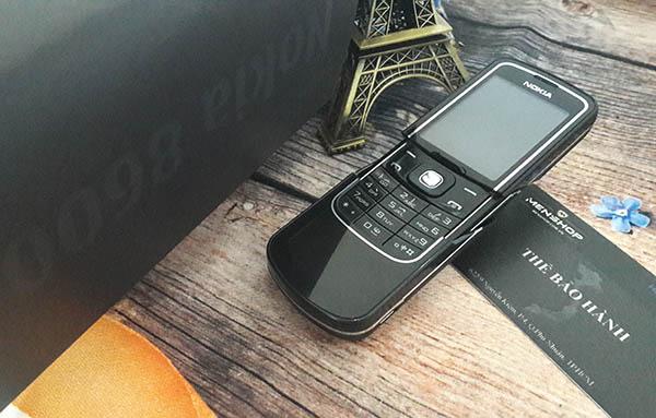 Điện thoại nokia 8600 luna chiếc điện thoại may mắn của giới doanh nhân và buôn bán
