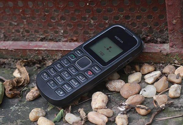 Nokia 1280 sạc không báo gì