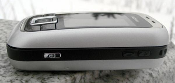 Màn hình nokia 6111 hiển thị trong mô hình này có độ phân giải 128x160 pixel (TFT)